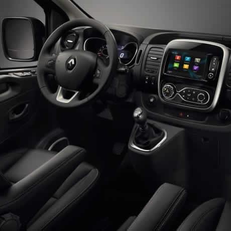 tour en furgoneta - interior 01